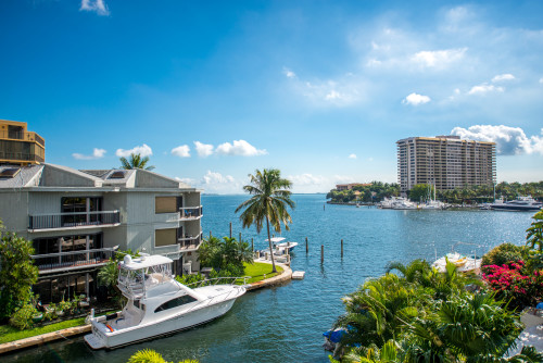 waterfront-property-home-condo